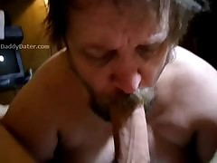Broad in the beam Cock Daddybear Gets a Hot Blowjob