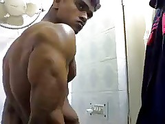 hot indian bodybuilder