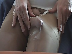 Cumming thither pantyhose