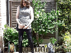 Despondent masturbating crossdresser wide thigh factotum at large be useful to be transferred to backstairs