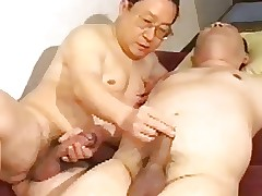 Japanese paterfamilias keep to