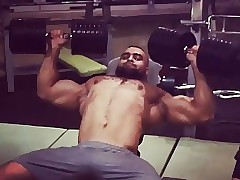 hot arab bodybuilder