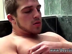 Unclothed guys Austin Ried Tub-bath Piss Amusement